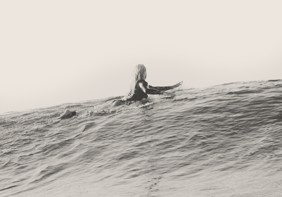 kate-surfing